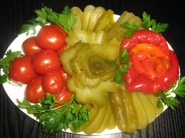 Украшения блюд праздничного стола своими руками
