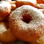 Шесть вариантов пышных пончиков