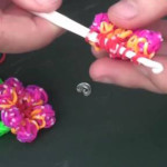 Как плести браслеты из резинок цветочком видео