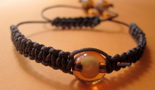 Плетёный браслет шамбала
