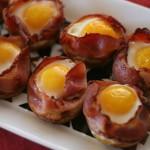Картофельные маффины с беконом и яйцом
