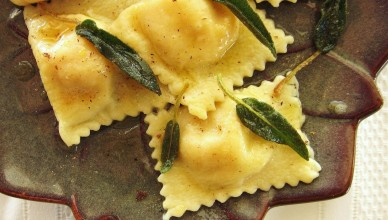 23-finished-ravioli-with-sage-butter-e1382024222408