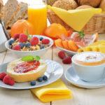 Какие продукты полезнее есть натощак, а какие стоит избегать на голодный желудок
