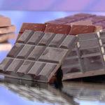Вредно ли есть шоколад с белым налетом