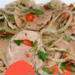 Мясная закуска с маринованным луком