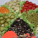 Торт — салат Ассорти из шести салатов с курицей